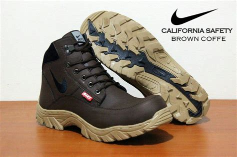 Sepatu Murah Kickers Middle Safety Boots Synthetic miliki sepatu boot safety nike california terbaru