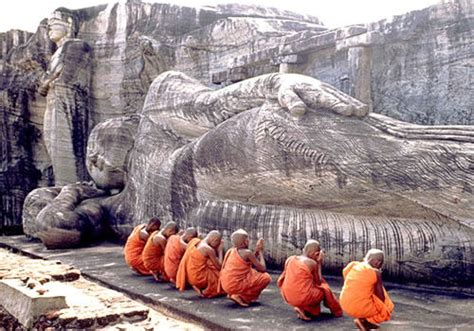 reclining buddha sri lanka historical places in sri lanka polonnaruwa