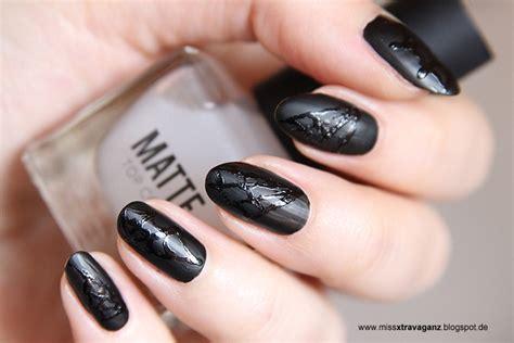 nagellack matt schwarz nagellack nailart matte spinnweben miss