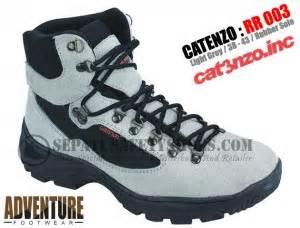 Sepatu Adventure Pria Kulit Abu Catenzo Rr 003 Original Asli Cibaduyut toko sepatu safety dan sepatu gunung