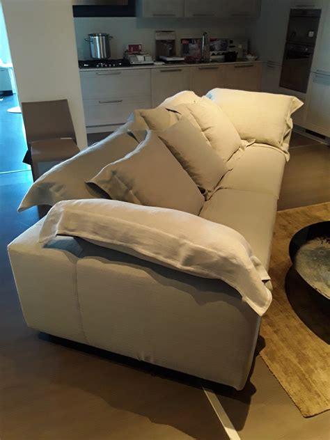 divani moroso outlet moroso divano nebula nine sofa scontato 33 divani