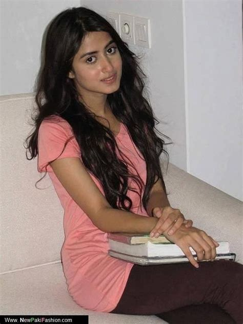 sajal ali without makeup hows she looking without sajal ali without makeup pakistan actors and actress