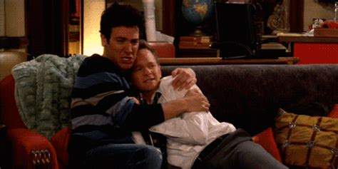how i met your mother couch ted and barney holding on the couch scared gifs wifflegif