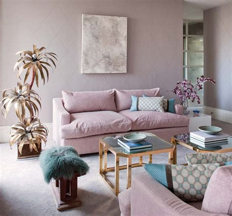pink and gold living room comodoos interiores tu de decoracion me pongo de moda con cada temporada