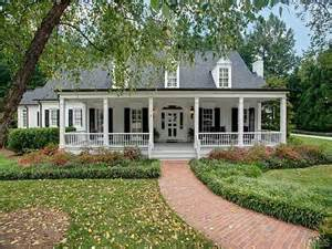 Low Country House Plans With Wrap Around Porch by 25 Best Ideas About Country Homes On Pinterest Country