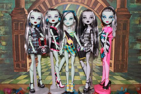 photospam monster gang hangs confessions doll collectors daughter