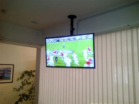 Tv Hanging From Ceiling by Tv Mounting Ideas And Pictures Nextdaytechs On Site