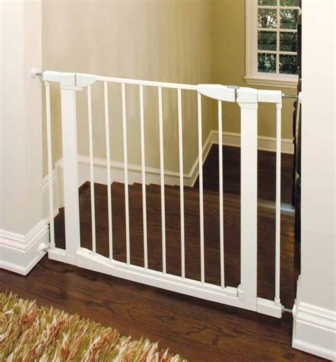 swing door baby gate munchkin auto close metal gate white mk0006 022 ebay