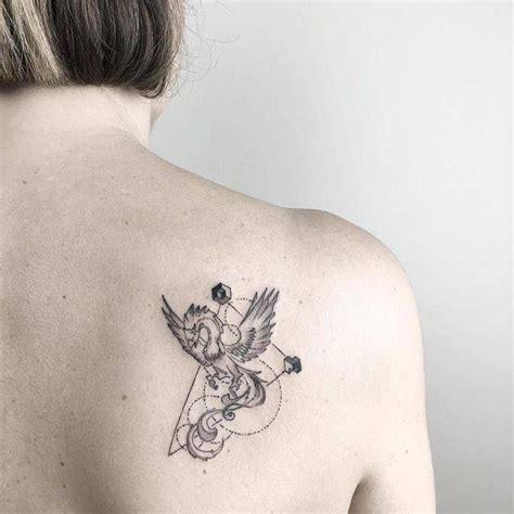 small shoulder blade tattoos 43 best shoulder blade tattoos images on