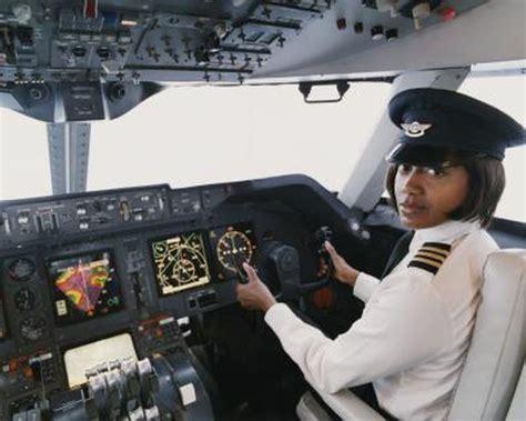 commercial woman pilot average commercial airline pilot s salary woman