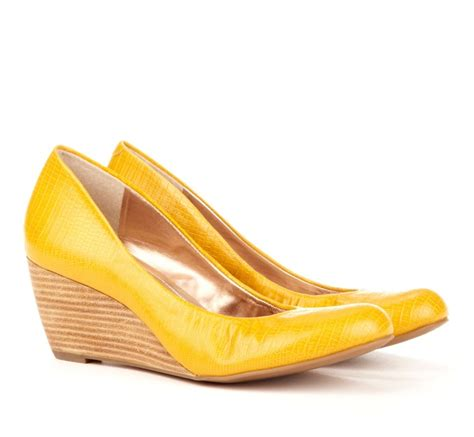 25 best ideas about yellow wedges on wedge