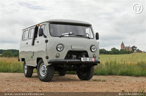 uaz van uaz 452 passenger made in russia