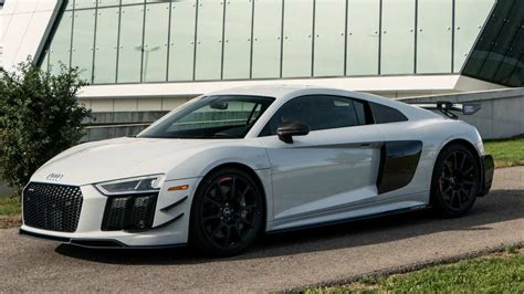 Audi R8 Weight by Audi R8 V10 Plus Competition Package Cuts Weight Adds