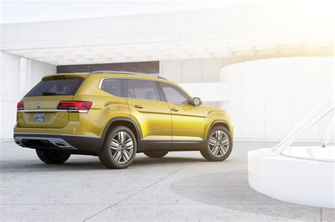 volkswagen atlas 2017 volkswagen atlas revealed marks vw s first 7 seater large