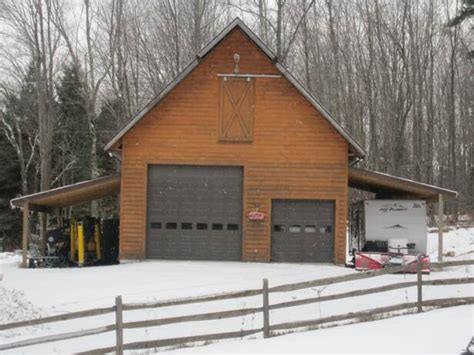 Garages That Look Like Barns by Beautiful Barns Although This Looks Like A Traditional Barn Garages That Look Like Barns