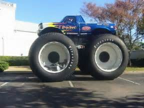 Truck With Big Wheels For Sale The Weirdest Car Tuning Seen Concept Cars