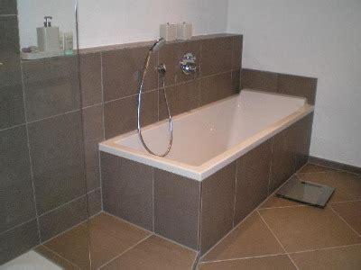 hochwertige baustoffe badezimmer teilweise gefliest