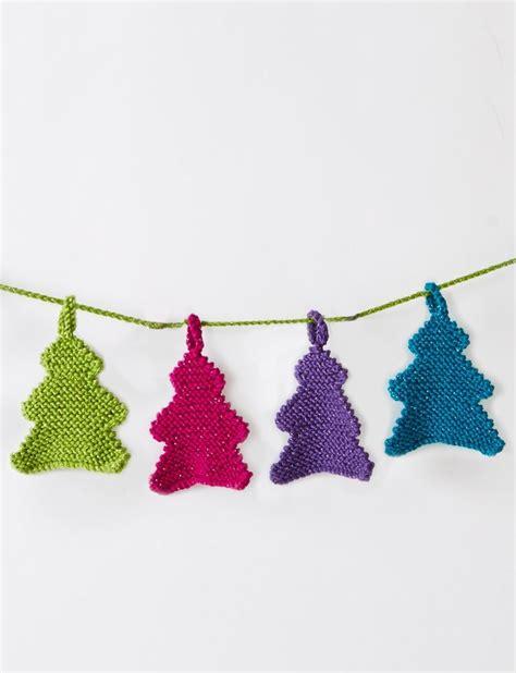 free crochet pattern for christmas tree garland yarnspirations com caron happy little tree garland