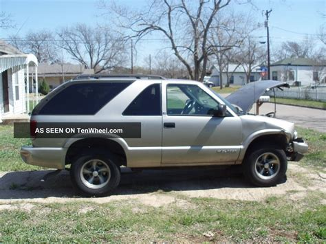 2 Door Blazer by 2000 Chevrolet Blazer Ls Sport Utility 2 Door 4 3l