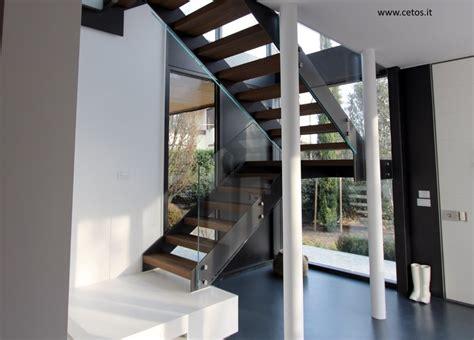 gradini in legno per scale interne scale a giorno per interni scale in acciaio scale in