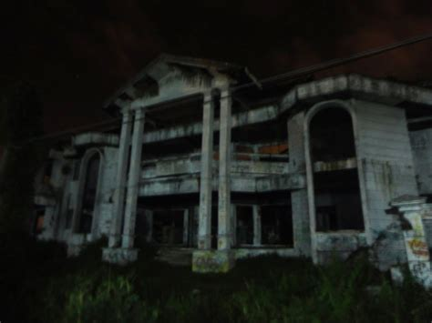 film misteri hotel cempaka 10 tempat terangker sekaligus mengerikan di indonesia