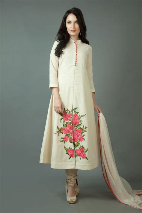 embroidery design for ladies kurta embroidery kurta for women makaroka com