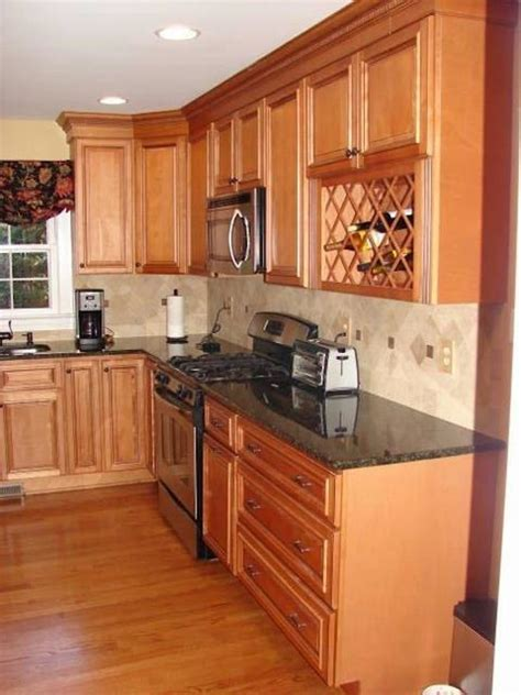 honey maple kitchen cabinets glazed honey maple cabinets