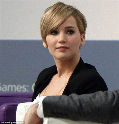 haircut games new jennifer lawrence chops her locks into a pixie haircut
