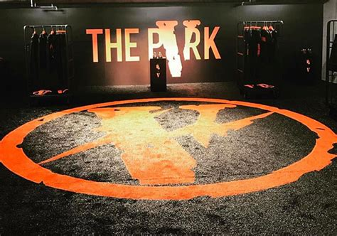 Vlone X Fragmenta vlone x fragment design x nike pop up at the park ing ginza