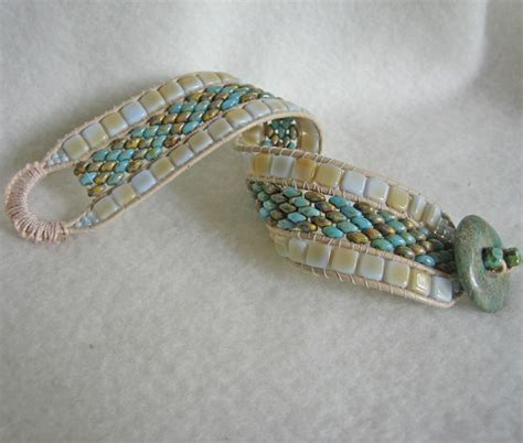 free patterns using superduo beads this bracelet is adapted from deb roberti s pattern tila