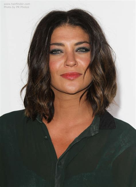 hairstyles that hit right above the shoulder jessica szohr lob hairstyle or long just above the