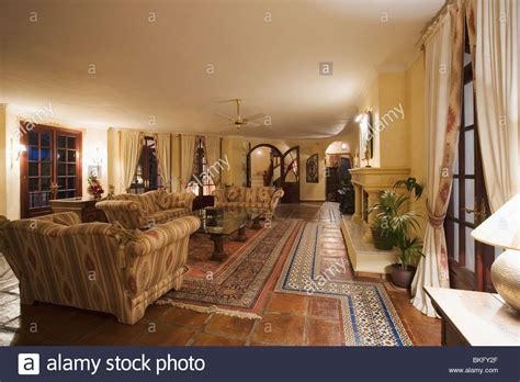 marokkanische bodenfliesen interiors traditional living rooms floors stockfotos
