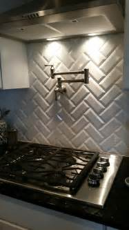 Ceramic Subway Tiles For Kitchen Backsplash by Best 25 Beveled Subway Tile Ideas On Pinterest White