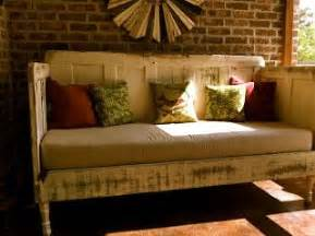 Diy Daybed From Doors Diy Daybed Made From Doors Diy