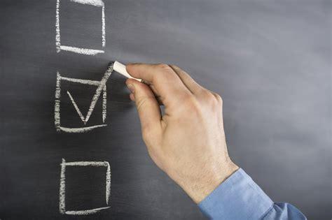 step checklist  choosing  financial advisor