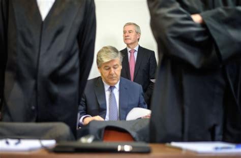 Zwischenfall Im Deutsche Bank Prozess Ordner Setzen