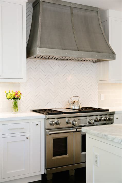 Herringbone Subway Tile Backsplash Design Ideas Herringbone Kitchen Backsplash