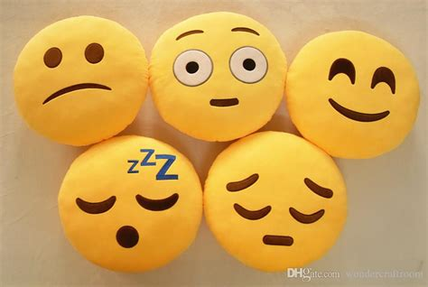 Silicon Happy Time M E 18 styles new emoji cushions pillows dolls qq
