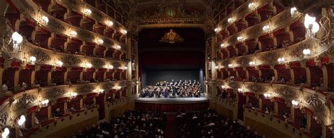 libreria morlacchi perugia l orchestra sinfonica di praga diretta da jiŕi bĕlohl 225 vek