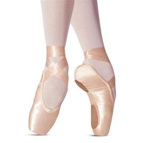 split sole pointe shoe by leo s 174