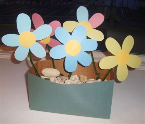 How Can We Make Flowers From Paper - make paper flowers think crafts by createforless