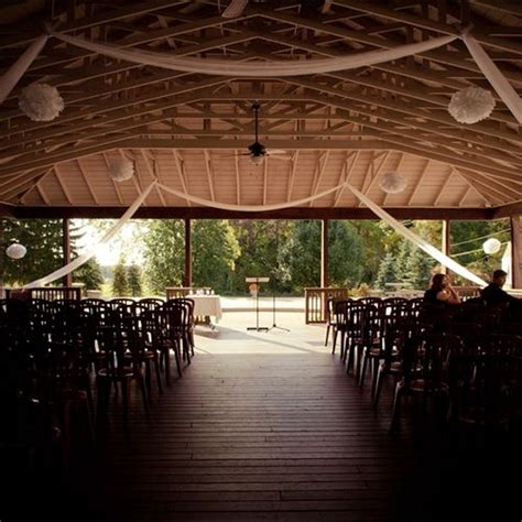 Pine Carriage House Wedding by Pin By In Bliss Weddings On Ceremony Decor