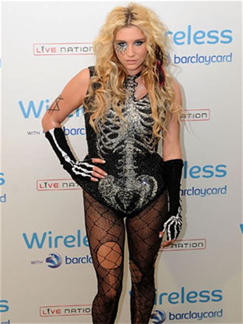 New Year New You Worst Fashion Mistakes by Worst Dressed Of 2011 Fashion Mistakes