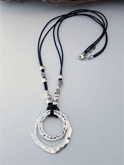 como hacer anillos de cuero las 25 mejores ideas sobre anillos de alambre en