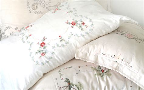Pretty Pillow by Pretty Pillow Covers From Vintage Table Cloths Diy