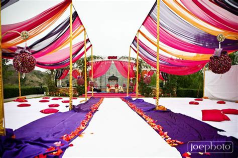 wedding decoration ideas  themes  lure  guests