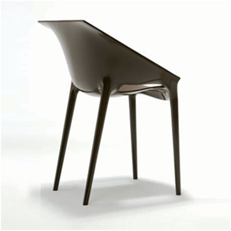 philippe starck and eugeni quitllet dr yes chair