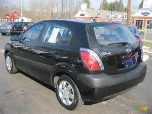 black 2008 kia rio5 lx hatchback exterior photo