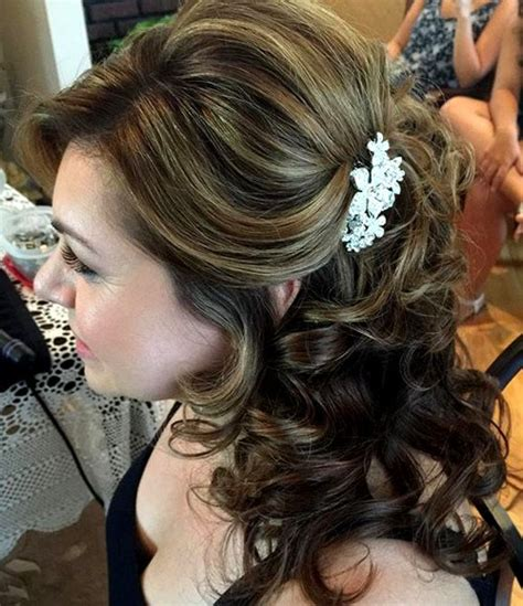 wedding hairstyles mother for curly hair 50 ravishing mother of the bride hairstyles