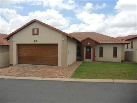 buy repossessed house standard bank repossessed 3 bedroom house for sale for sale in midrand mr33522 myroof